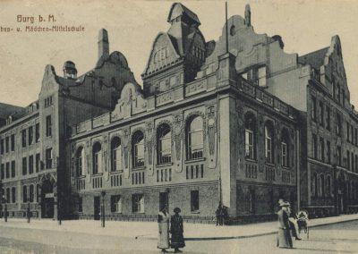 AK_Burg-Knaben-und Mädchen-Mittelschulze