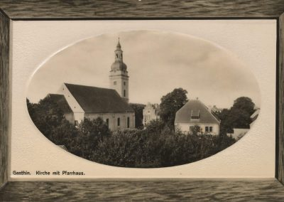 AK_Genthin-Kirche-mit-Pfarrhaus