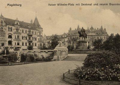 AK_Magdeburg-Kaiser-Wilhelm-Platz-mit-Denkmal-und-neuem-Brunnen