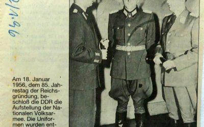 Uniformen nach Vorbild der Reichswehr geschneidert